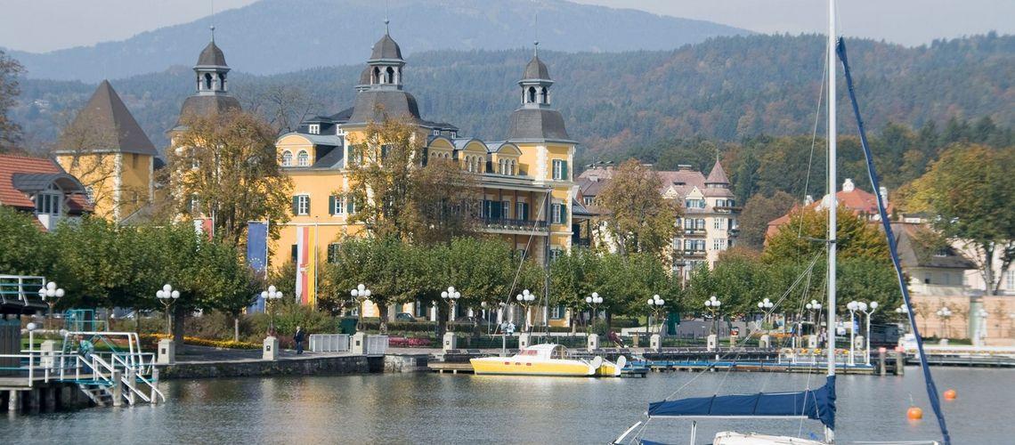 Der Wörthersee, gelegentlich auch Wörther See, ist der größte See Kärntens und zugleich aufgrund seiner klimatischen Lage einer der wärmsten Alpenseen.